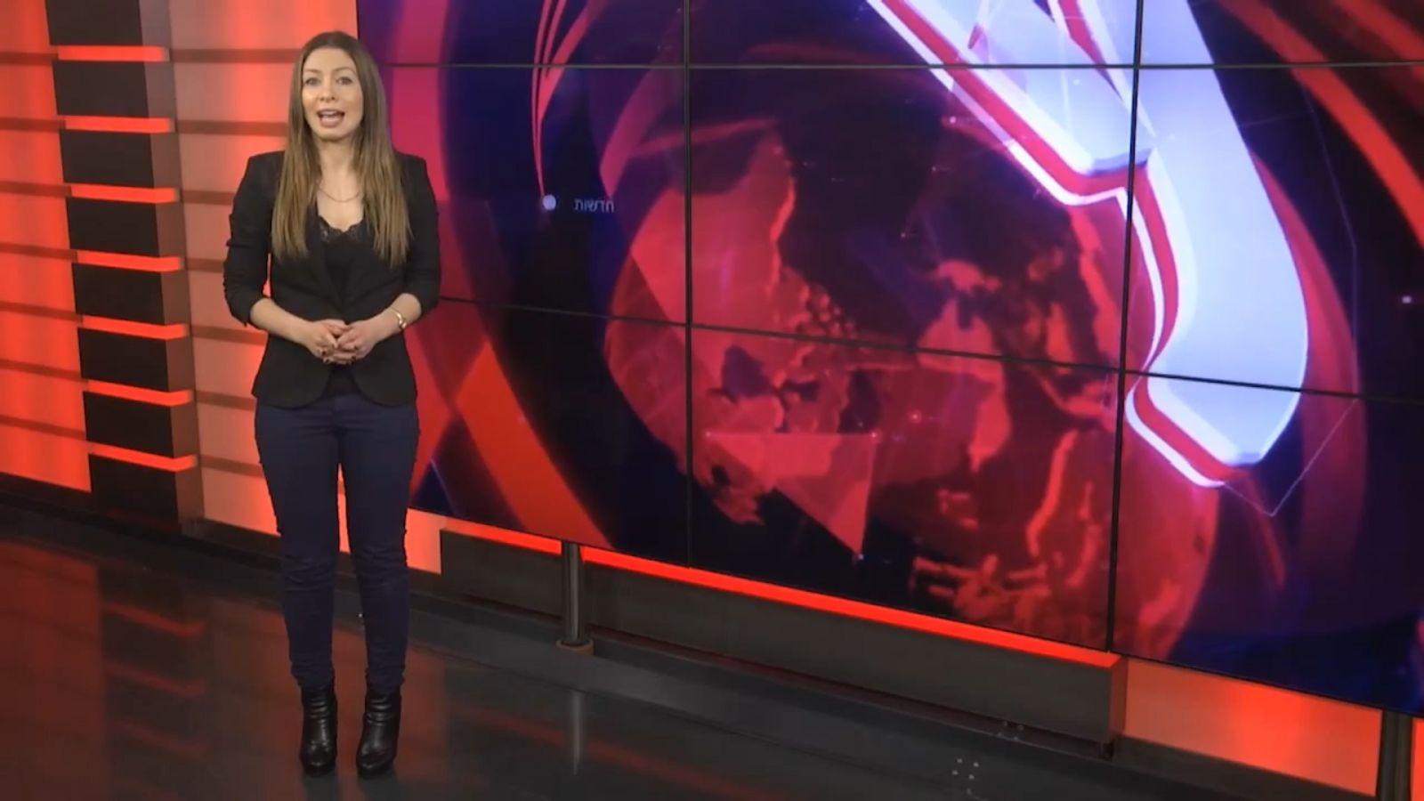 מגישת ynet אלכסנדרה לוקש מנחה סרטון תדמית למשרד המדע. אנשי משרד המדע העלו את הסרטון לערוץ הרשמי של המשרד באתר יוטיוב (צילום מסך)