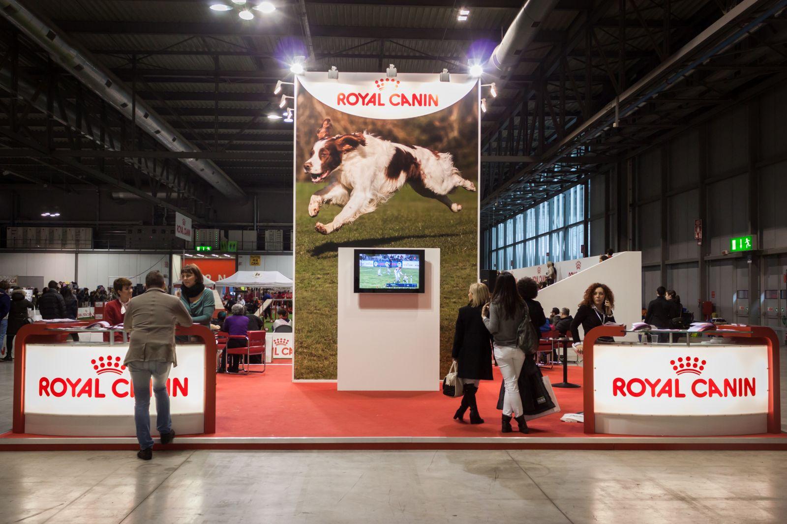 מתחם רויאל-קאנין בתערוכת כלבים בינלאומית באיטליה, 11.1.14 (צילום: שאטרסטוק)