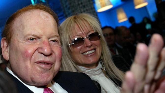 שלדון אדלסון ובת זוגו מרים, 2008 (צילום: אוליבייה פיטוסי)