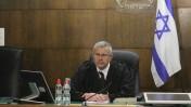 השופט דוד רוזן לאחר הכרעת הדין במשפט הולילנד, בית המשפט המחוזי תל-אביב - יפו, 31.3.14 (צילום: עידו ארז)