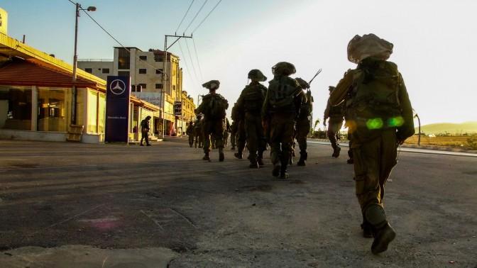 """חיילי צה""""ל בחיפושים אחרי שלושת הנערים החטופים, חברון, 16.6.14 (צילום: דובר צה""""ל)"""