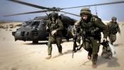 """חיילי צה""""ל בגבול ישראל-עזה, לאחר תום מבצע """"עופרת יצוקה"""", 21.1.2009 (צילום: דובר צה""""ל)"""