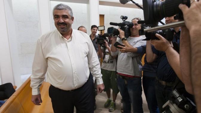 ראש עיריית בת-ים שלומי לחיאני בבית המשפט העליון, 20.10.13 (צילום: פלאש 90)