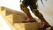 """חייל נח""""ל ברצועת עזה, אחרי פתיחת המתקפה הקרקעית במסגרת מבצע """"צוק איתן"""", 19.7.14 (צילום: דובר צה""""ל)"""