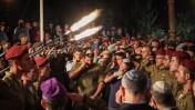 """לוויית חייל צה""""ל אביתר תורג'מן, בן 20, שנהרג בקרב עם חמאס ברצועת עזה במהלך מבצע """"צוק איתן"""". הר הרצל בירושלים, 22.7.14 (צילום: פלאש 90)"""