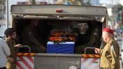 """חיילים לצד ארונו של חלל צה""""ל שון מונדשיין, שנהרג במבצע """"צוק איתן"""". תל-אביב, 22.7.14 (צילום: יעקב נחומי)"""