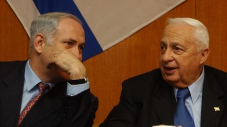 ראש הממשלה אריאל שרון ושר האוצר בנימין נתניהו, 18.2.2003 (צילום: פלאש 90)