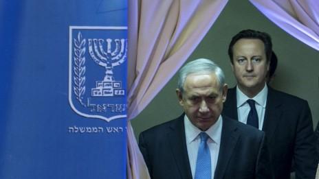 ראש ממשלת ישראל בנימין נתניהו וראש ממשלת בריטניה דייוויד קמרון, 12.3.14 (צילום: אוליביה פיטוסי)