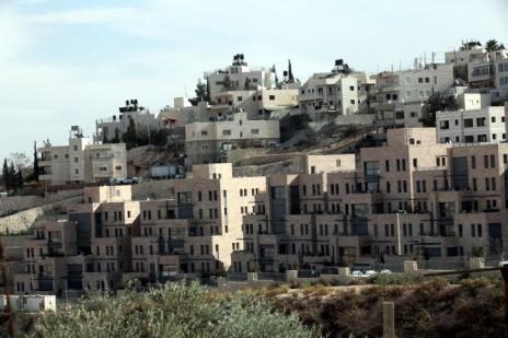 שכונת נוף-ציון על רקע ג'בל-מוכאבר, 2011 (צילום: יוסי זמיר)