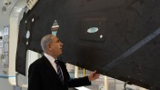 """ראש ממשלת ישראל, בנימין נתניהו, בביקור במפעל של התעשייה האווירית. 13.11.14 (צילום: קובי גדעון, לע""""מ)"""