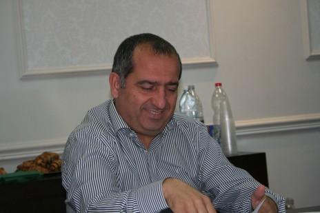 שמעון אלקבץ, מועצת העיתונות, 3.11.14 (צילום: אורן פרסיקו)