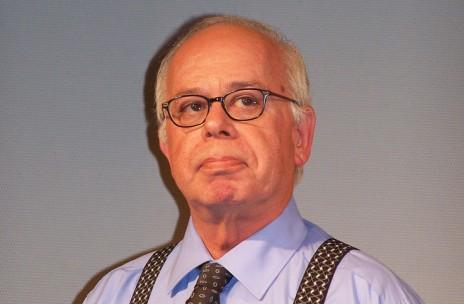 """העורך הראשי של """"ישראל היום"""" עמוס רגב (צילום: """"העין השביעית"""")"""