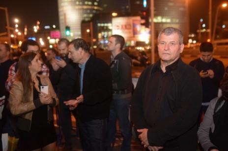 הפגנה למען ערוץ 10, 30.12.14. חברי-הכנסת מיקי רוזנטל ודב חנין (צילום: בן קלמר)