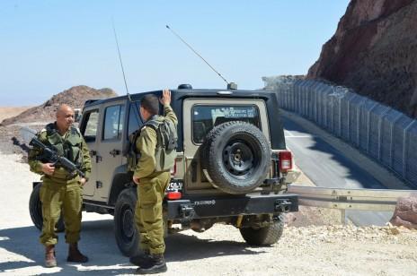 חיילים ישראלים סמוך לחלקו הדרומי של הגבול עם מצרים, 2.6.14 (צילום: יוסי זליגר)