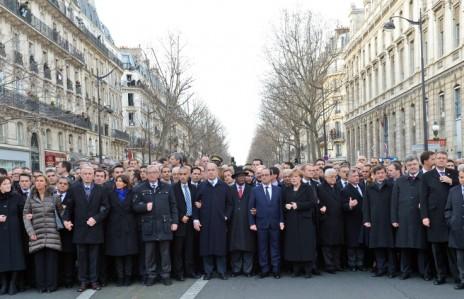 """מדינאים מרחבי העולם ובתוכם נתניהו וליברמן בעצרת ההמונים הממלכתית בפריז בעקבות הטבח ב""""שרלי הבדו"""" (צילום: חיים צח, לע""""מ)"""
