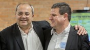 ראש הרשימה הערבית המשותפת איימן עודה (מימין) וחבר הכנסת אחמד טיבי (צילום: יונתן זינדל)