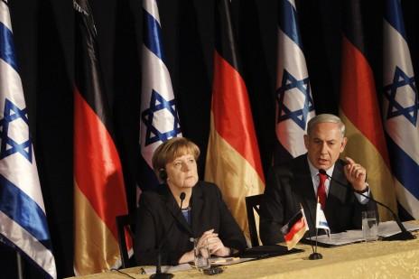 בנימין נתניהו ואנגלה מרקל במסיבת עיתונאים משותפת. ירושלים, 25.2.14 (צילום: מרים אלסטר)