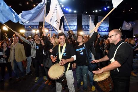 מטה מפלגת יש-עתיד בתום הבחירות, אמש (צילום: גילי יערי)
