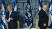 ראש הממשלה בנימין נתניהו לאחר שקיבל מנשיא המדינה רובי ריבלין את ההסמכה לכונן ממשלה חדשה, בית הנשיא בירושלים, 25.3.15 (צילום: מרים אלסטר)