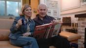 שרה ובנימין נתניהו בביתם בירושלים, מרץ 2006 (צילום: יוסי זמיר)