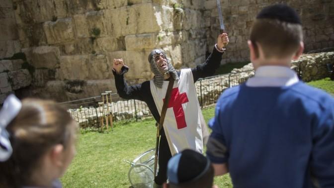 מיצג במוזיאון מגדל דוד בירושלים, 5.4.15 (צילום: יונתן זינדל)
