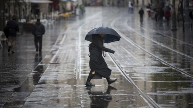 גשם בירושלים (צילום: יונתן זינדל)