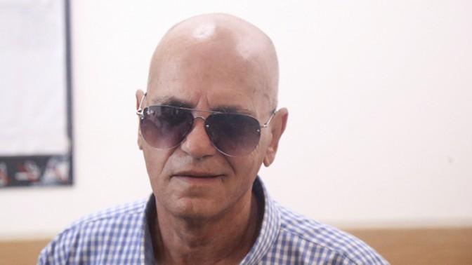 דני ביטון, אביו של הזמר אייל גולן, שהורשע בהסדר טיעון בעבירות מין ונידון לשנתיים מאסר, 29.4.15 (צילום: פלאש 90)