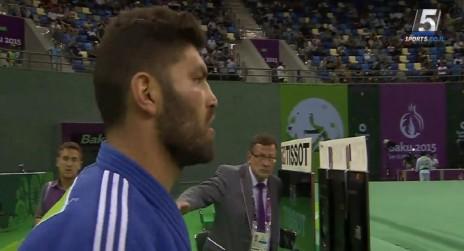 אורי ששון עולה לקרב הגמר בג'ודו במשחקי באקו (צילום מסך מערוץ הספורט)
