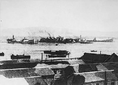 הפאטרייה שוקעת בנמל חיפה (נחלת הכלל)