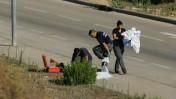 שוטרים בזירת התאבדותו של אפרים ברכה, 5.7.15 (צילום: יונתן זינדל)