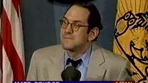 מאט דראדג' נושא דברים בפני מועדון העיתונות הארצי שבוושינגטון, 2.6.1988 (צילום מסך)