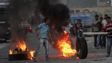 """הפגנה ליד צומת תפוח, היכן שפלסטיני ניסה לדקור שוטרי מג""""ב וחוסל, 15.8.15 (צילום: פלאש 90)"""