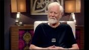 """אורי אבנרי בתוכנית """"חותם אישי"""" בטלוויזיה החינוכית, 2.8.15 (צילום מסך)"""