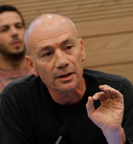 """מנכ""""ל קשת, אבי ניר. הכנסת, 2011 (צילום: מרים אלסטר)"""