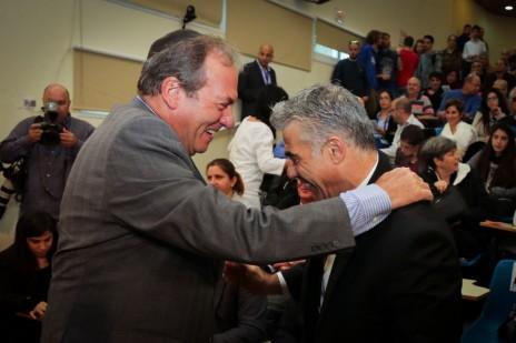 נשיא הקרן-לידידות, הרב יחיאל אקשטיין, עם השר לשעבר יאיר לפיד (צילום: אדי ישראל)