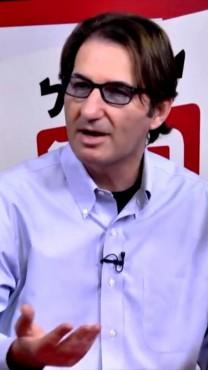 """בועז ביסמוט מדבר באולפן """"ישראל היום"""" (צילום מסך)"""