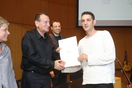 גידי וייץ מקבל את פרס סוקולוב, 27.12.15 (צילום: יעל צור)