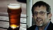 עורך ynet ערן טיפנברון וכוס בירה (צילומים: אורן פרסיקו ונחלת הכלל)