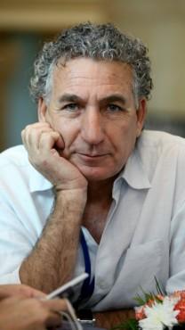יצחק טוניק, 2007 (צילום: משה שי)