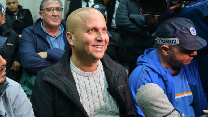 ראש עיריית אשקלון, איתמר שמעוני, בדיון בהארכת מעצרו. בית-משפט השלום בראשון-לציון, 5.1.16 (צילום: פלאש 90)