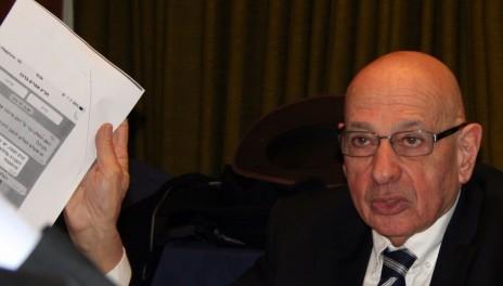 """עו""""ד יורם סמואל בדיון בתלונה נגד אבירם זינו במועצת העיתונות, 27.12.15 (צילום: אורן פרסיקו)"""