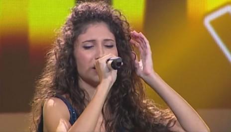 """לינה מח'ול, משתתפת בתוכנית הטלוויזיה """"דה-ווייס"""" (צילום מסך)"""