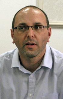 """עו""""ד יובל יועז בישיבת נשיאות מועצת העיתונות, 28.3.16 (צילום: אורן פרסיקו)"""