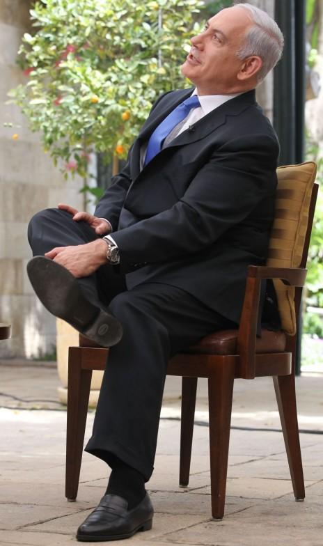 ראש הממשלה בנימין נתניהו מעניק ראיון לכתבת CNN ארין ברנט במעונו בירושלים, 24.4.2012 (צילום: נתי שוחט)