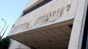 """חזית בית """"ידיעות אחרונות"""" בתל-אביב בשלבי פינוי אחרונים. 31.3.2016 (צילום: איתמר ב""""ז)"""