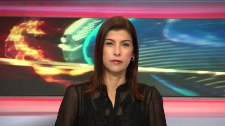 """גאולה אבן מגישת """"המוסף"""" בערוץ 1 (צילום מסך)"""