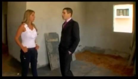 """שרון גל עם ענבל אור בתוכנית """"המדריך למיליון הראשון"""" בערוץ 10, 26.10.10 (צילום מסך)"""