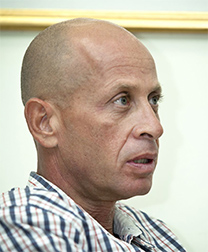 """איציק סבן, כתב המשטרה של """"ישראל היום"""" (צילום: משה שי)"""