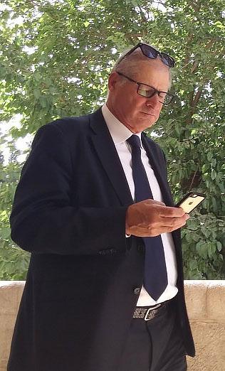 """עו""""ד דוד שמרון בבית-משפט השלום בירושלים, 7.6.16 (צילום: איתמר ב""""ז)"""