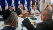 בנימין נתניהו, אביגדור ליברמן ואחרים בישיבת ממשלה בעין לבן, 2.6.16 (צילום: מארק ישראל סלם)